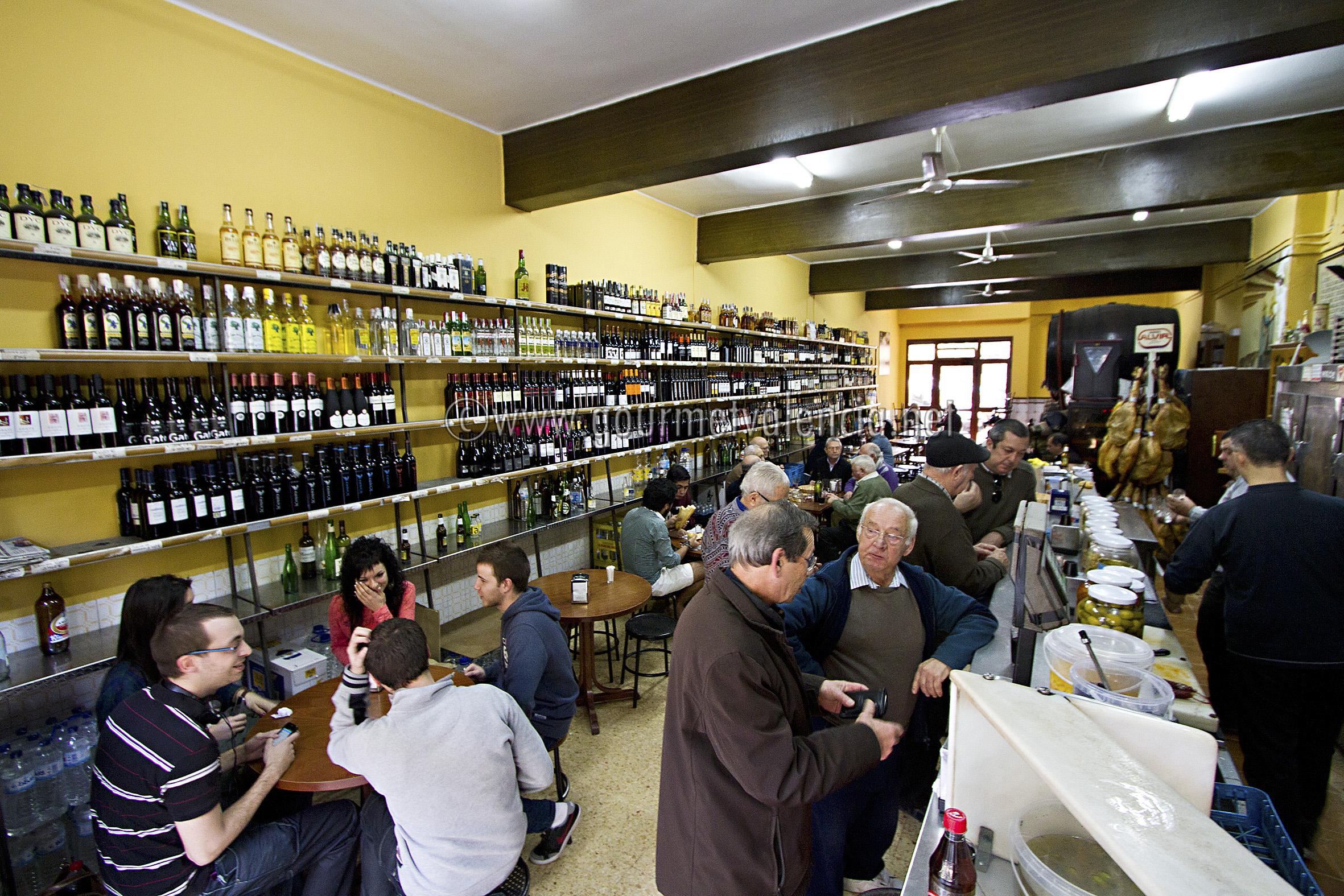 Vino jam n y buen ambiente gourmetvalencia - Bodegas de vino en valencia ...