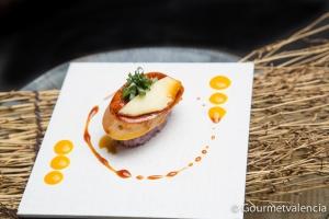 Nigiri de arroz al vino tinto de Kamon